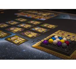 La piste marché, son plateau et les cartes du jeu Masters of Renaissance