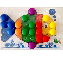 Un modèle en couleur (le poisson) du jeu Colorino en cours de partie